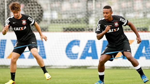 Pato e Cléber Corinthians (Foto: Rodrigo Coca/Ag. Corinthians)