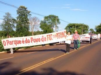 Setor de transporte turístico é contra proibição de entrada de veículos no PNI (Foto: Izabelle Ferrari / RPC TV)