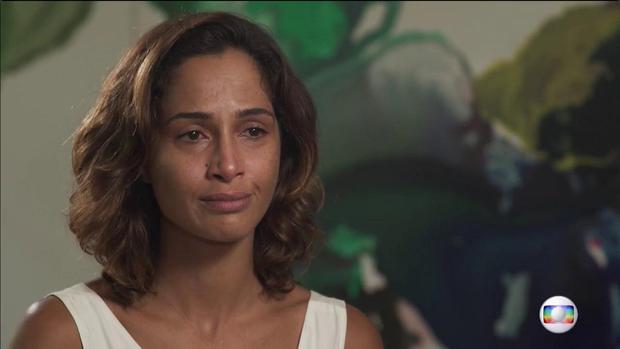 Camila Pitanga em entrevista ao Fantástico (Foto: Reprodução/TV Globo)