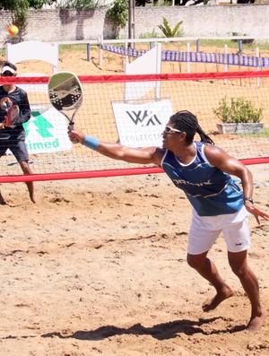 Potiguar Jeferson Rodrigues é destaque no beach tennis (Foto: Rogério Vital/Divulgação)