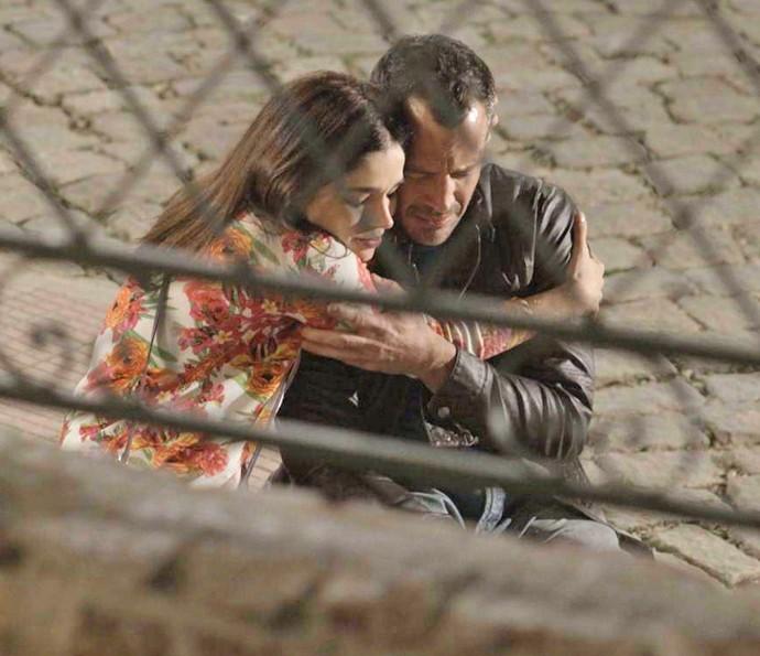 Shirlei se solidariza com a situação de Apolo (Foto: TV Globo)
