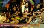Fãs se revezam em acampamento para assistir ao show de Justin Bieber