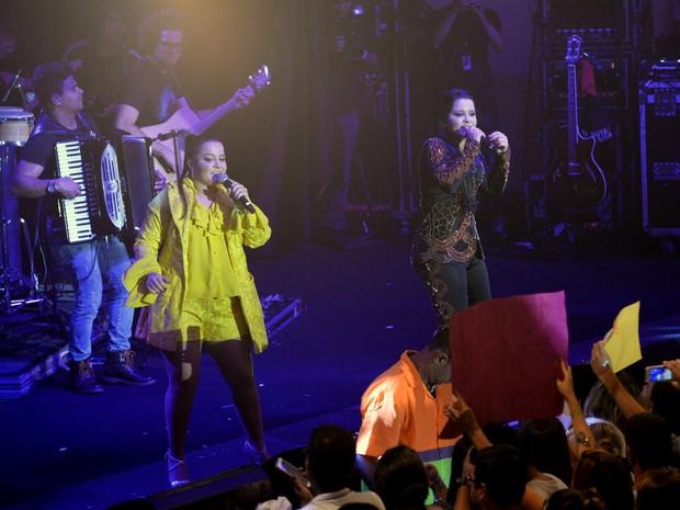 Maiara e Maraisa em show na Zona Sul do Rio (Foto: Vinicius Marinho/ Brazil News)