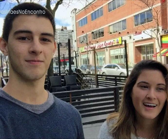 Vinícius e Beatriz mandam recado para a mãe  (Foto: TV Globo)