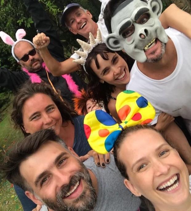 Murilo Benício curte pós-Carnaval com Débora Falabella e amigos (Foto: Reprodução/Instagram)