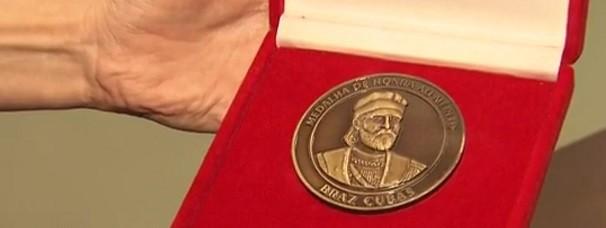 Medalha Braz Cubas (Foto: Reprodução/TV Tribuna)