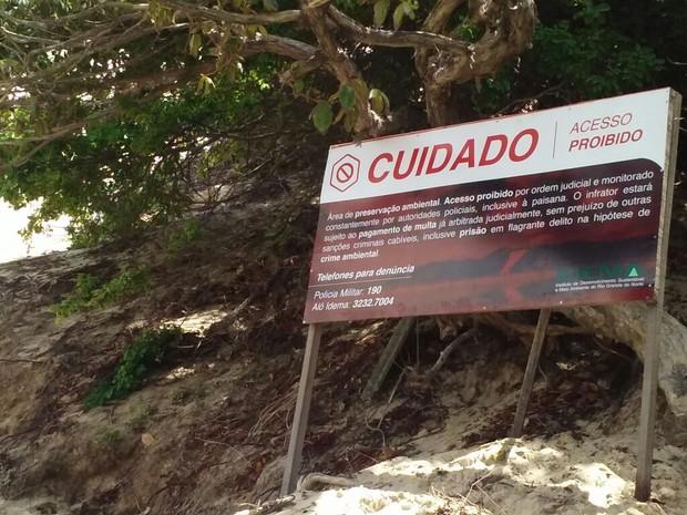Novas placas de sinalização são instaladas no Morro do Careca (Foto: Divulgação/Idema )