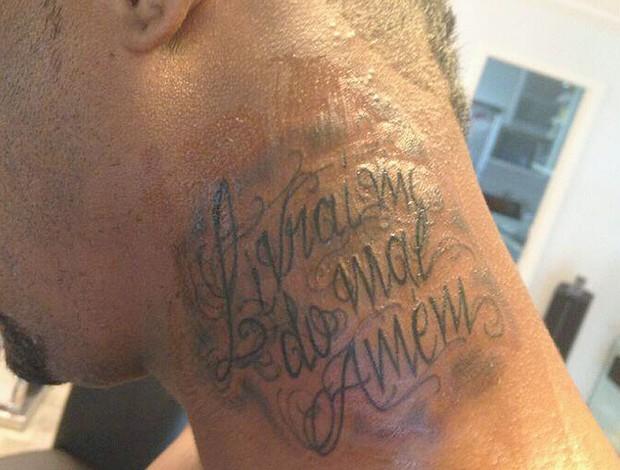 Felipe Faz Nova Tatuagem Livrai Me Do Mal Amém Globoesportecom