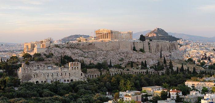 A Acrópole de Atenas com o Partenon no topo (Foto: Christophe Meneboeuf/Wikipédia)