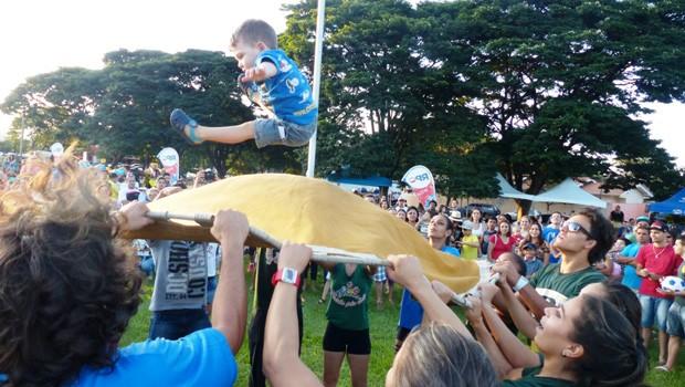 Todos ficaram atentos aos show  (Foto: Divulgação/RPC)