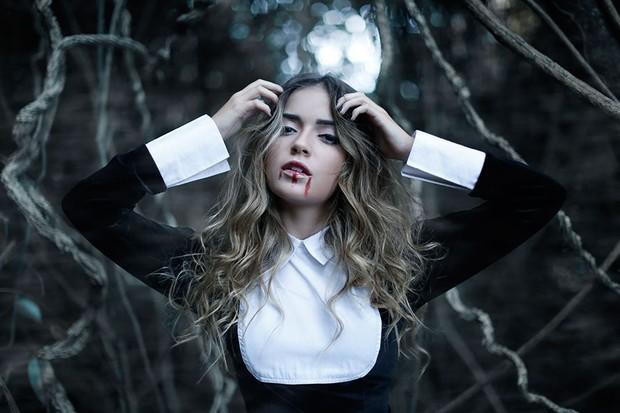 Anna Rita Cerqueira em ensaio Halloween (Foto: Marcos Serra Lima / EGO)