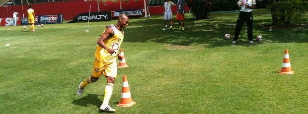 Tartá - treino (Foto: Thiago Pereira / Globoesporte.com)