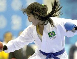 Valéria Kumizaki compete com as cores do Brasil   (Foto: Arquivo / COB)