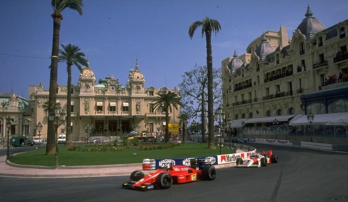 Em 1988, a Ferrari 87/88C foi o único carro capaz de desafiar a soberania da McLaren MP4/4 de Ayrton Senna e Alain Prost (Foto: Getty Images)