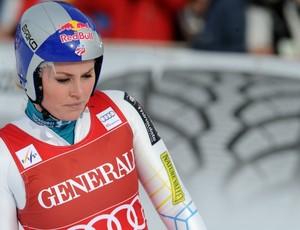 esqui alpino Lindsey Vonn cai no downhill da Copa do Mundo de Val d'Isere (Foto: AP)