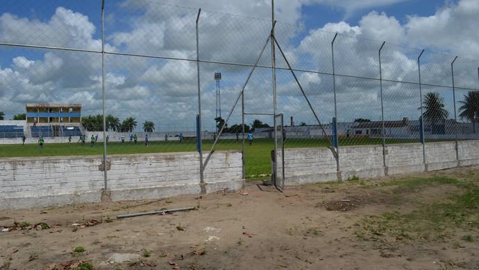 Estádio Teixeirão do Santa Cruz, em Santa Rita (Foto: Amauri Aquino / GloboEsporte.com)