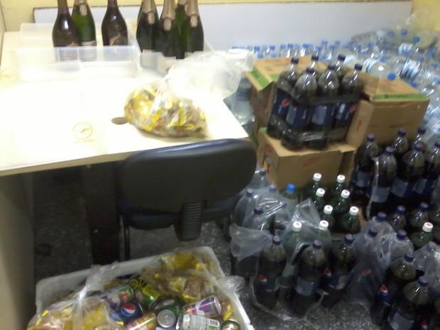Comida que sobrava de voos era desviada por quadrilha  (Foto: Divulgação /Polícia Civil)