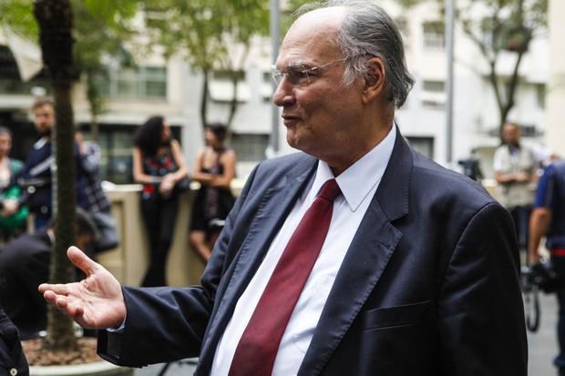 Roberto Freire no velório de Ferreira Gullar (Foto: Anderson Barros / EGO)
