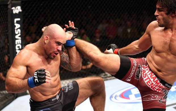 Elias Theodorou X Bruno Santos, UFC  (Foto: Getty Images)
