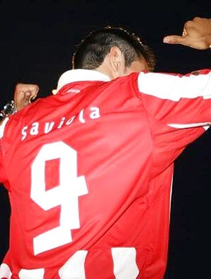 Saviola apresentado no Olympiacos (Foto: Divulgação)