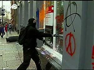 black bloc (Foto: Reprodução/GloboNews)