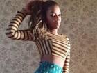 Ludmilla exibe cinturinha fina nas redes sociais e ganha elogios