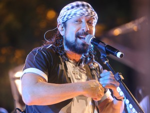 Vocalista baiano, Bell Marques revive os clássicos da Banda Chiclete com Banana (Foto: Fernando Correa/G1)