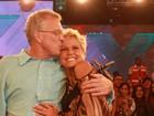 Xuxa celebra 50 anos com surpresa de Pedro Bial e música do namorado