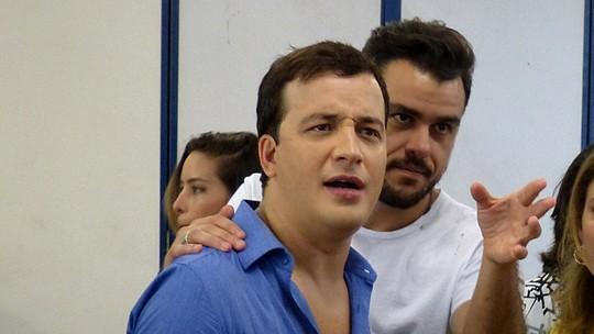 Rafael Cortez tenta 'trollar' Joaquim Lopes e Joelma em passeio do 'Vídeo Show'