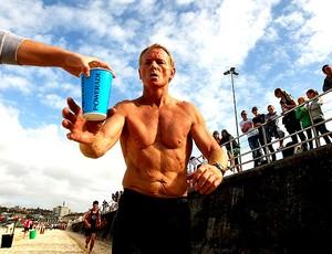 corredores bebendo durante corrida (Foto: Getty Images)