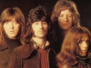 Badfinger na capa do álbum 'Straigh up', de 1971 (Foto: Divulgação)