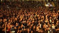 Evangélicos se reúnem em encontro religioso, em Goiânia