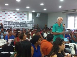 Pescadores defendem existência de áreas onde a pesca esteja liberada (Foto: Zana Ferreira /G1)
