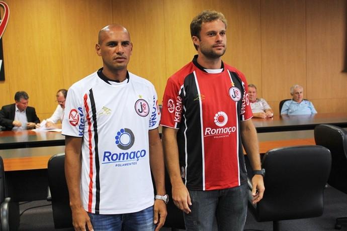 Uniforme Joinville JEC Catarinense 2014 (Foto: Divulgação/Joinville EC)