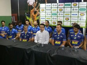 Comissão e jogadores destacaram potenciais do time (Foto: Ricardo Guimarães / GE)