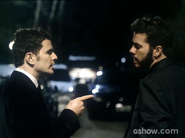 Bruno e Kiko se estranham (Foto: O Rebu / TV Globo)