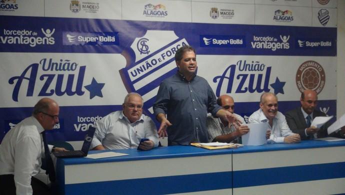 Silvio Camelo, assembleia do CSA (Foto: Denison Roma / GloboEsporte.com)