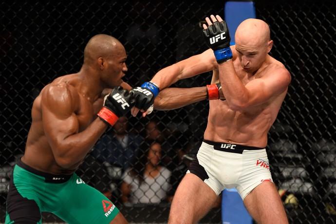 Kamaru Usman x Alexander Yakovlev UFC Chicago (Foto: Getty Images)