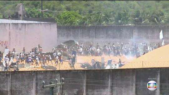 Na Grande Natal, 89 presos fogem de penitenciária por túnel