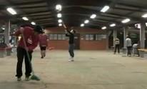 Estudantes fazem mutirão de limpeza em Uruguaiana (Reprodução/RBS TV)