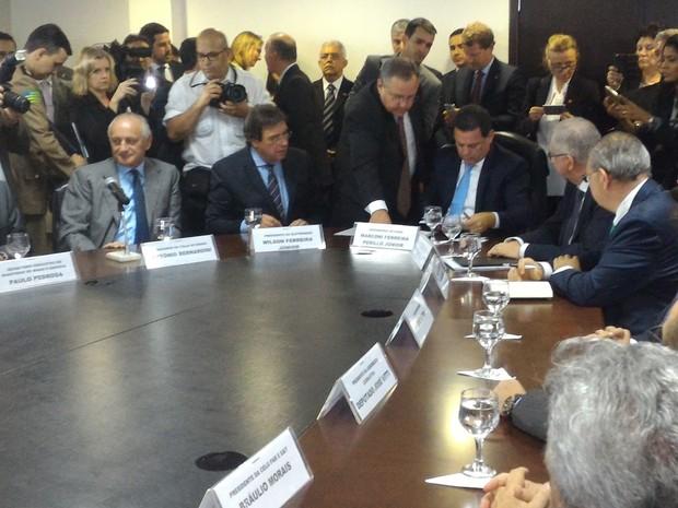 Celg é privatizada e governador Marconi Perillo (PSDB) assina venda para Enel Goiás (Foto: Vanessa Martins/G1)