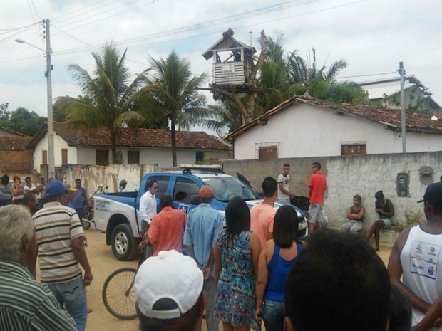 Mãe de sercretário da prefeitura de Cravolândia é morta a tiros dentro da casa onde morava (Foto: Uilian Alexandre / Blog Marcos Frahm )