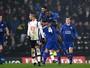 Copa da Inglaterra: em jogo com gol contra bizarro, Leicester força replay