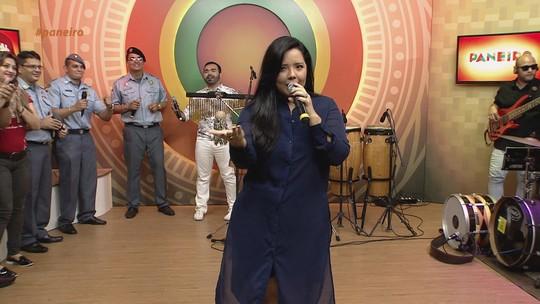 Hemilly Lira canta no 'Paneiro' de São João e fala sobre decolar da carreira
