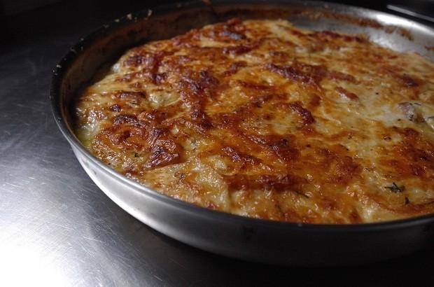Batata gratinada com três queijos e bacon (Foto: André Lima de Luca)