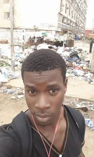 Moradores mostram lixo das ruas fazendo selfies (Foto: Reprodução/ Facebook)