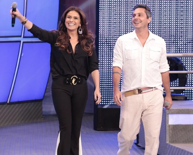 Giovanna Antonelli e Alexandre Nero participam do Divã do Faustão (Foto: Domingão do Faustão / TV Globo)