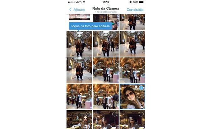 Selecione a foto que você quer tweetar, clicando nela (Reprodução/ Gabriella Fiszman)
