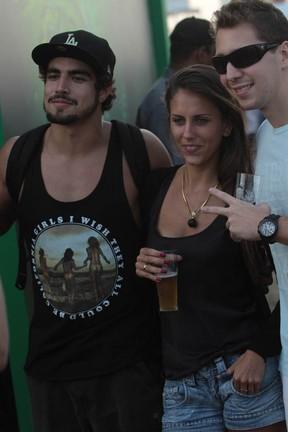 Caio Castro e amigos no Lollapaloozza (Foto: Agnews/ agnews)