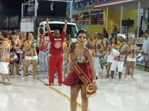 Desfile das campeãs, Morro do Céu (Foto: Cristiano Anunciação/G1)